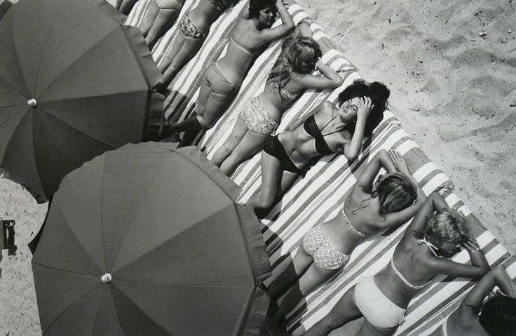 St. Tropez, France, 1959 - Photo by Elliott Erwitt