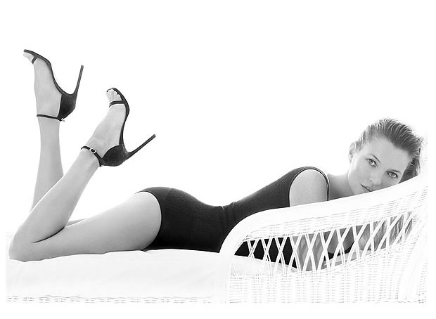 Kate-Moss-for-Stuart-Weitzman-Spring-Summer-2014-Campaign-02
